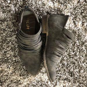 Mi.iM grey booties